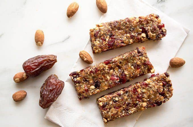 Almond Date And Hemp Energy Bars