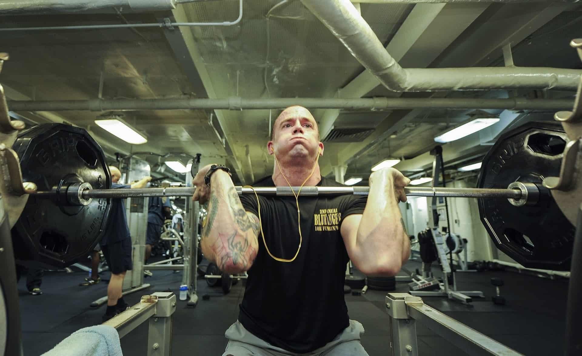 bodybuilder powerlifting